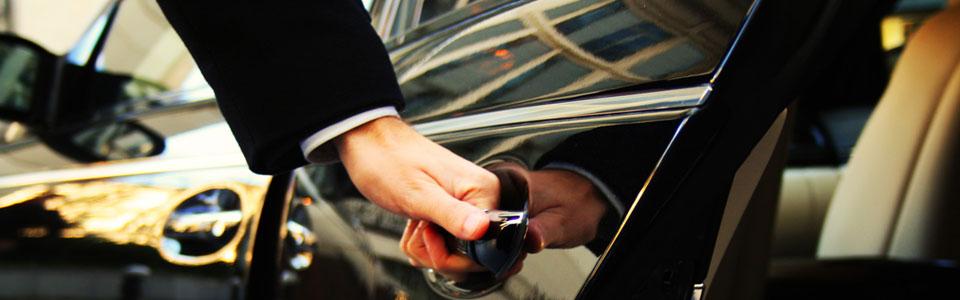 Autovermietung mit Fahrer in Paros